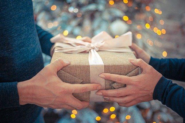 gif ideas for men gift guide
