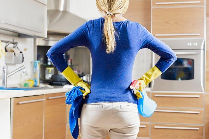 7 Kitchen Cleaning Hacks banner