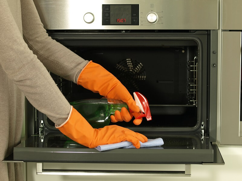 kitchen cleaning hacks - how to clean on oven